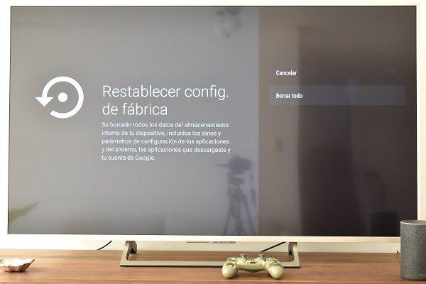 Restableciendo la configuración de fábrica de una Smart TV Sony